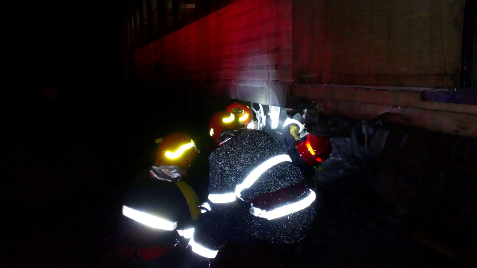 Incendiu la un tren de persoane într-o gară din Timişoara. 15 călători s-au autoevacuat