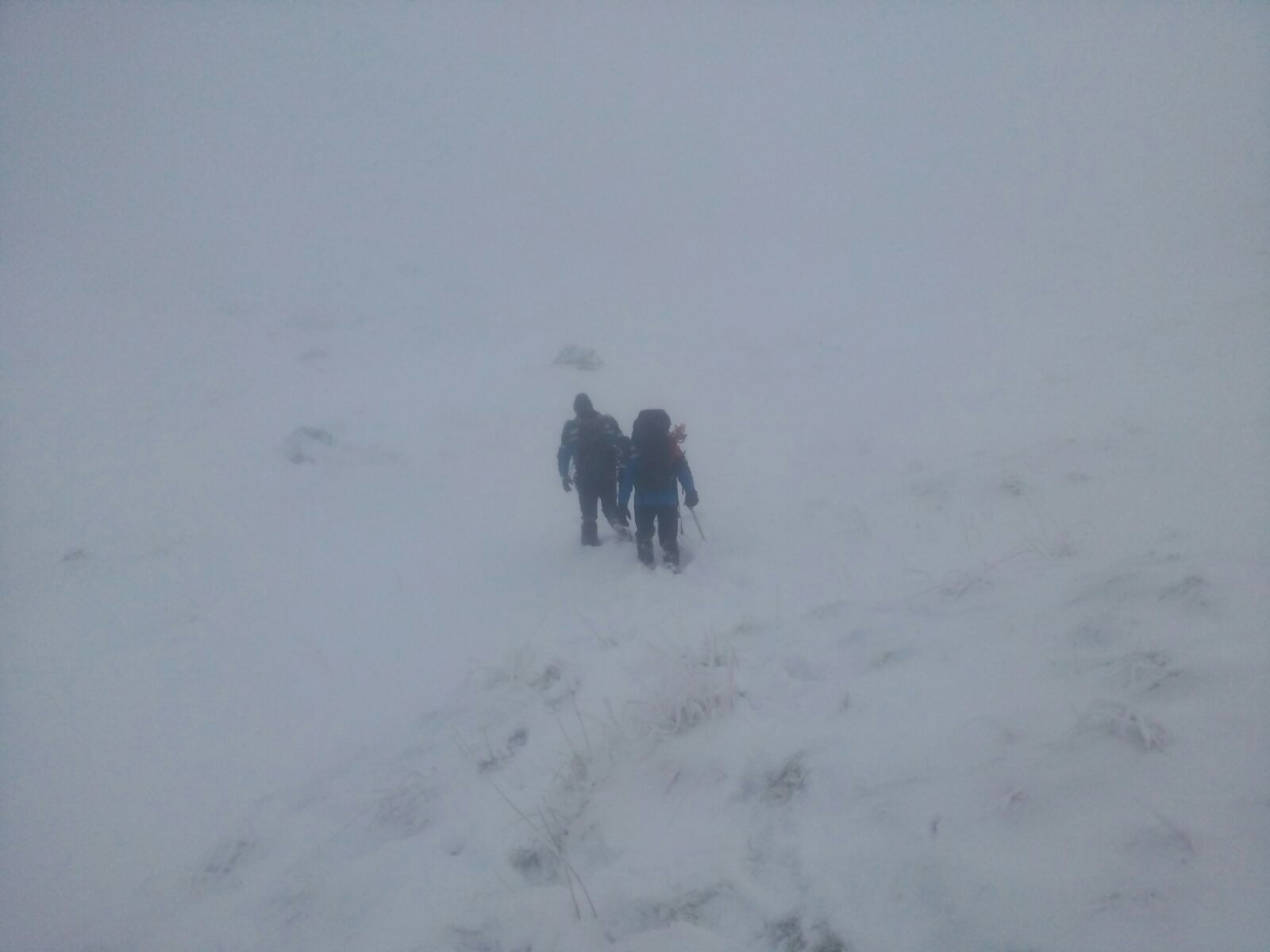 Risc ridicat de avalanşă în Munţii Făgăraş şi Bucegi, unde stratul de zăpadă măsoară aproape doi metri