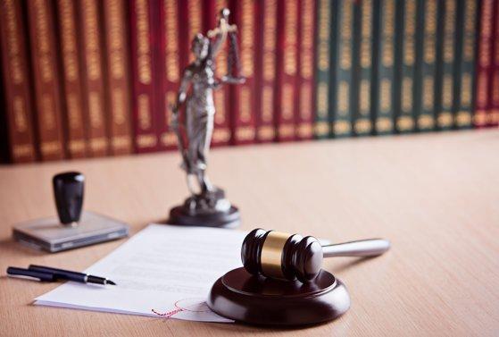 Imaginea articolului CCR: Funcţionarii trimişi în judecată şi aflaţi în funcţie vulnerabilizează încrederea în autorităţi