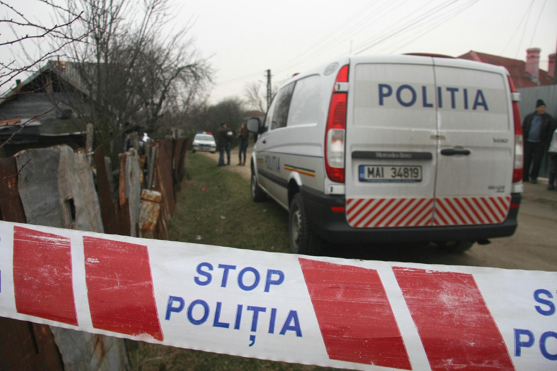 Un bărbat a fost omorât cu o coadă de topor, într-un târg de vechituri din Braşov. Autorul, reţinut