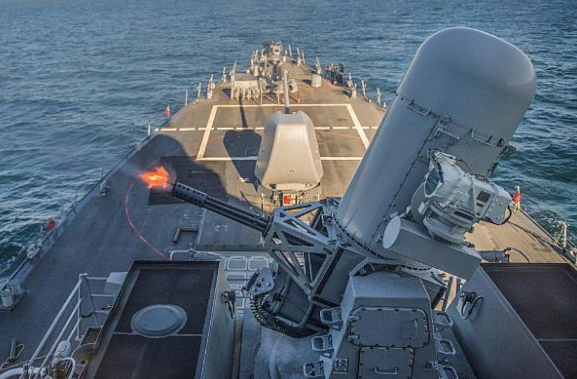 Două grupări navale ale NATO au misiuni de supraveghere în Marea Neagră