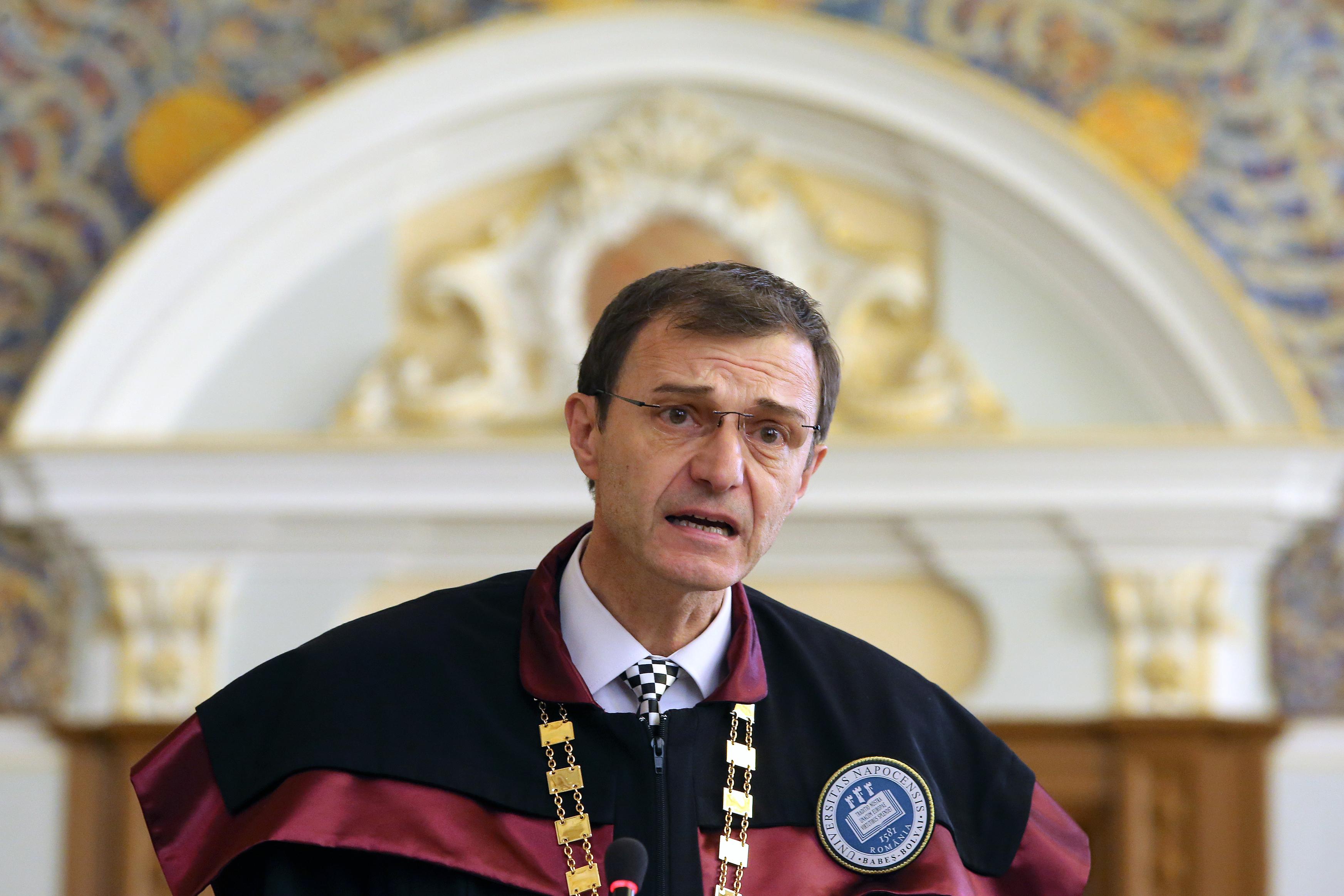 Scrisoarea rectorilor, CONTESTATĂ. Ioan Aurel Pop, de la Universitatea `Babeş-Bolyai`, nu a semnat scrisoarea de susţinere a lui Valentin Popa, deşi numele său era menţionat în document