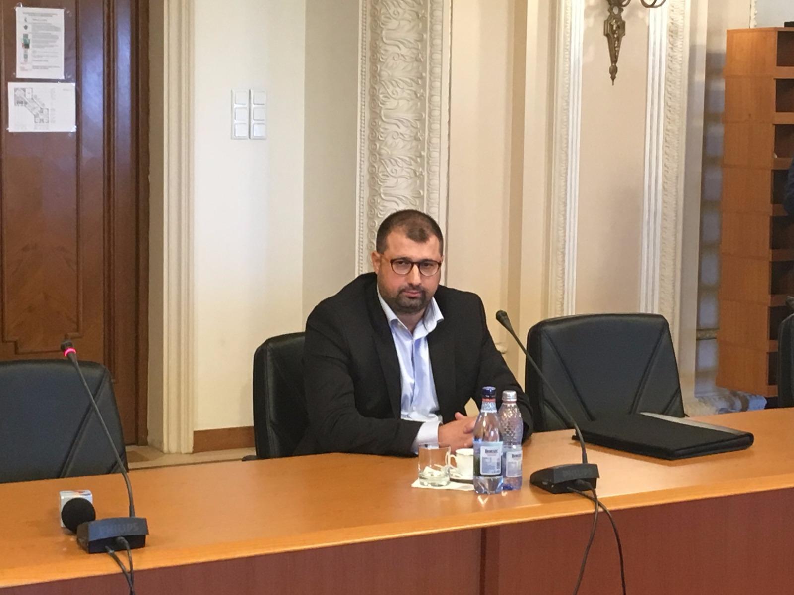 Fostul ofiţer SRI Daniel Dragomir va susţine o conferinţă de presă alături de preşedintele Senatului, Călin Popescu Tăriceanu