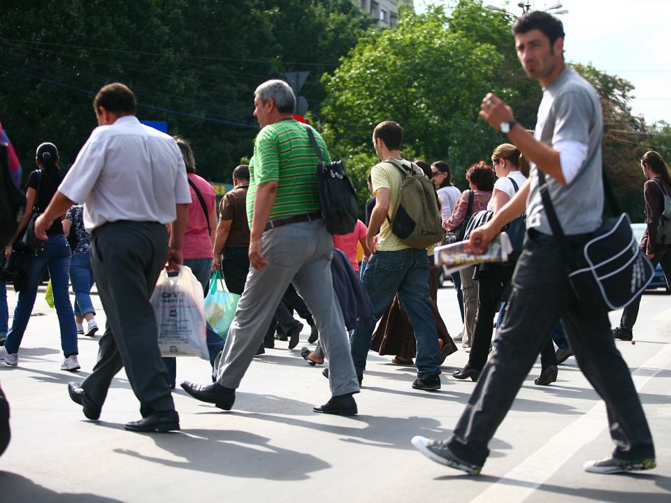 Guvernul pregăteşte un proiect de Ordonanţă de Urgenţă pentru reglementarea salariilor angajaţilor care au contracte part-time