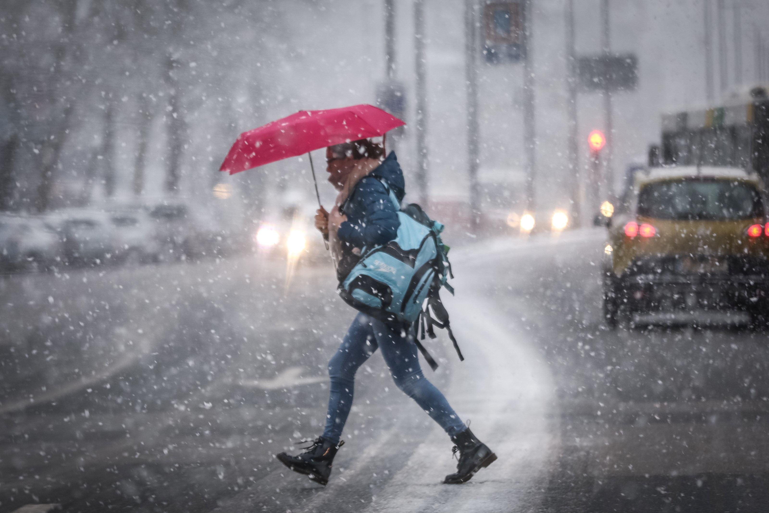 Vreme închisă. Regiunile unde va ninge / PROGNOZA METEO pentru joi şi vineri