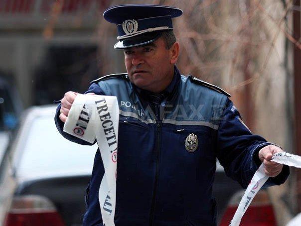 Angajat al Penitenciarului Poarta Albă, prins când îşi transporta bunicul încătuşat în portbagaj
