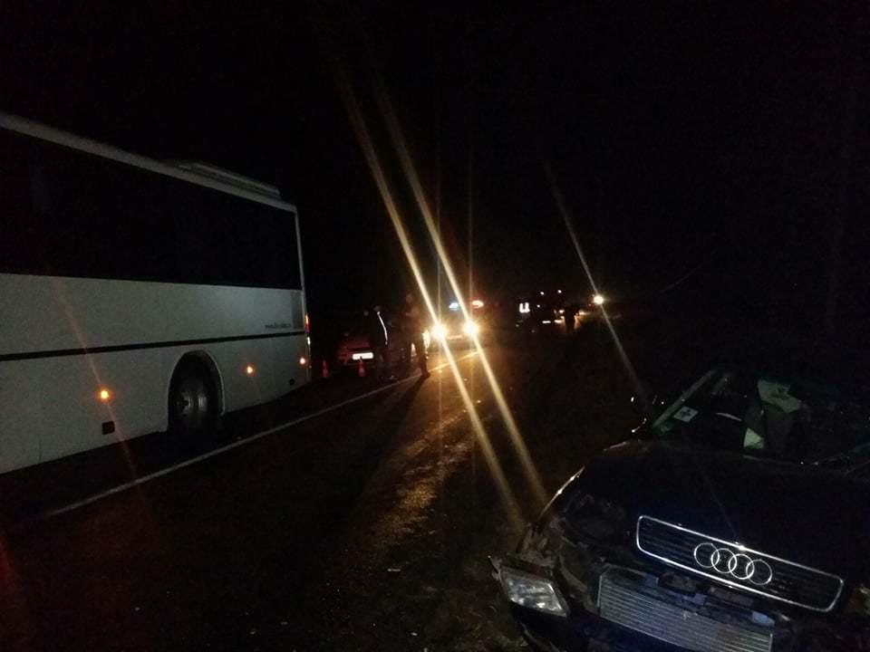 Un autocar cu 40 de persoane la bord, implicat într-un accident rutier în judeţul Timiş