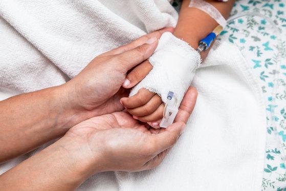Imaginea articolului Petronela, fetiţa din Iaşi ai cărei părinţi refuzau tratamentul pentru cancer, a murit