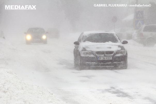 Imaginea articolului Companie de drumuri din Argeş, amendată după accidentul cu duba mascaţilor în care a murit un om