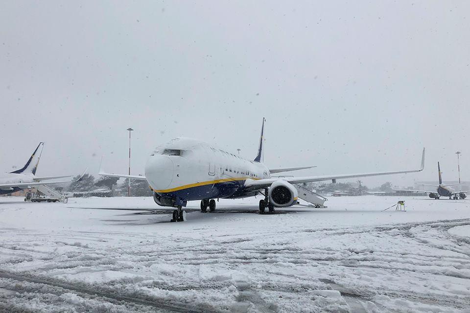Mai multe curse de pe Aeroportul Ciampino din Roma decolează cu întârzieri spre România din cauza vremii   FOTO, VIDEO