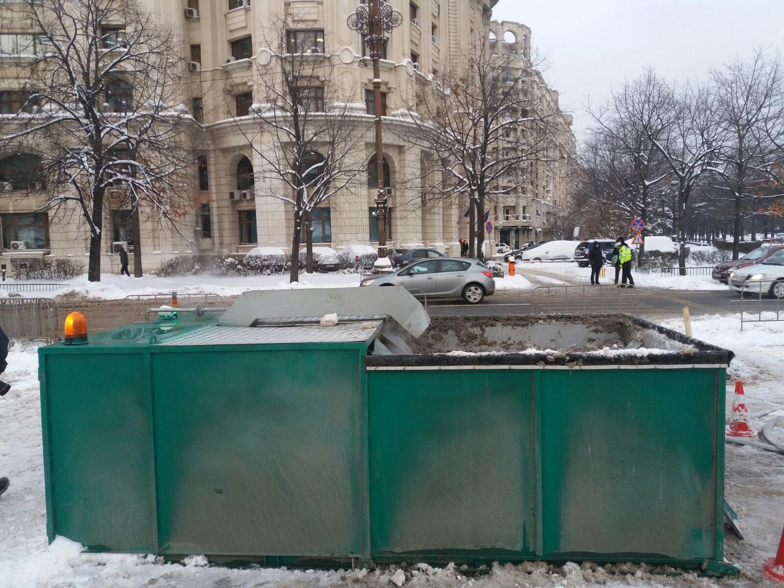 Bilanţul lui Firea după prima zăpadă în Bucureşti: Au fost topite peste 1.800 de tone de zăpadă, iar Piaţa Victoriei a fost eliberată. Unde sunt situate instalaţiile