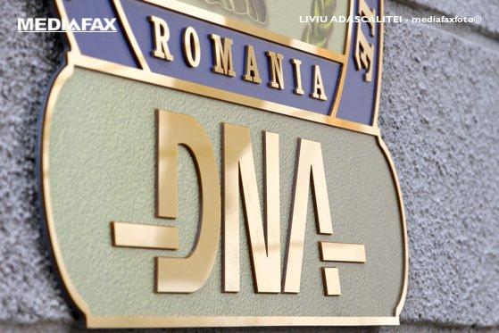 """Imaginea articolului Traian Băsescu: Intuiesc un caz privind şpăgi date în minister; DNA va spune: """"Declară că ai dat banii ministrului"""""""