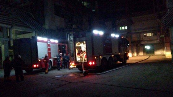 Imaginea articolului Incendiul de la Termocentrala Turceni, cea mai mare din România, stins după şapte ore. Poliţia face cercetări