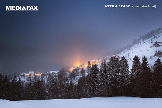 Imaginea articolului Salvamontul avertizează: Iarna se întoarce în forţă în masivele montane, stratul de zăpadă poate atinge şi jumătate de metru. Până la cât scad temperaturile
