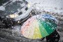 Imaginea articolului Vremea se schimbă radical: precipitaţii şi vânt în toată ţara, începând de duminică. Recomandările poliţiştilor pentru şoferi