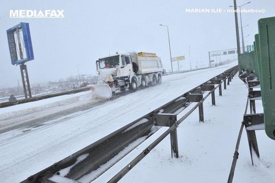 Imaginea articolului Lapoviţă, ninsoare, polei şi vreme deosebit de rece în toată ţara / Prognoza METEO pentru luni şi marţi | HARTĂ