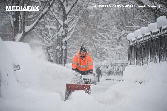 Imaginea articolului ANM emite noi avertizări COD GALBEN de NINSOARE, polei şi frig. Se va depune strat de zăpadă