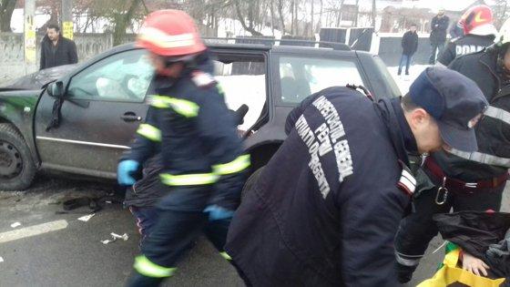 Imaginea articolului Tânărul care a murit după ce maşina în care era a intrat într-un cap de pod, era fratele solistei trupei Dj Project, Mira