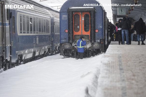 Imaginea articolului Trenuri anulate, astăzi, după ce pe firele de contact s-a depus chiciură