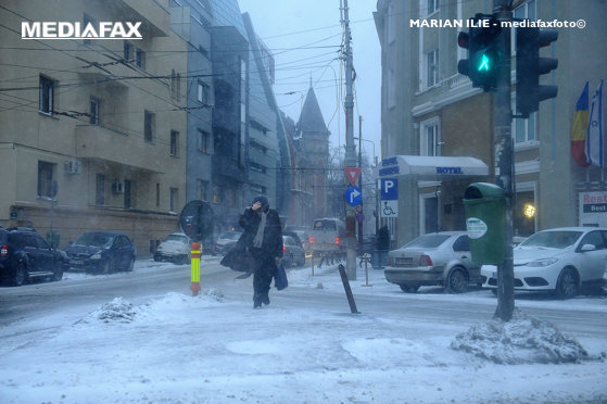 Imaginea articolului Traficul rutier în Bucureşti. PMB: Arterele principale, deszăpezite în proporţie de 95%, iar cele secundare, curăţate 40%