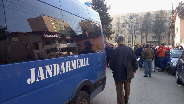 Imaginea articolului Surdo-mut, amendat pentru scandarea de lozinci anti-PSD. Jandarmerie: Temeinicia, dovedită în instanţă | DOCUMENT