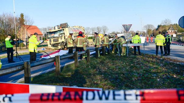 Imaginea articolului Identitatea celor trei tineri din Caracal, aflaţi printre românii morţi în accidentul din Olanda, dezvăluită / Rudele acestora, în stare de şoc şi revoltă: A fost destinul lor să moară împreună