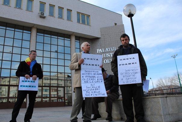 Imaginea articolului Nou protest al localnicilor din Nadăş, sat pierdut în instanţă. Care sunt acuzaţiile pe care le aduc sătenii
