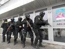 Imaginea articolului Coborâre în rapel a poliţiştilor din trupele speciale şi demonstraţii pirotehnice, de Ziua Poliţiei
