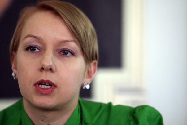 Imaginea articolului Judecătoarea Gîrbovan: Este rolul avocaţilor de a cere reglementarea interdicţiei ca un apărător să fie acoperit