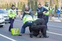 Imaginea articolului CONFLICT în stradă, oprit cu focuri de armă trase de poliţişti