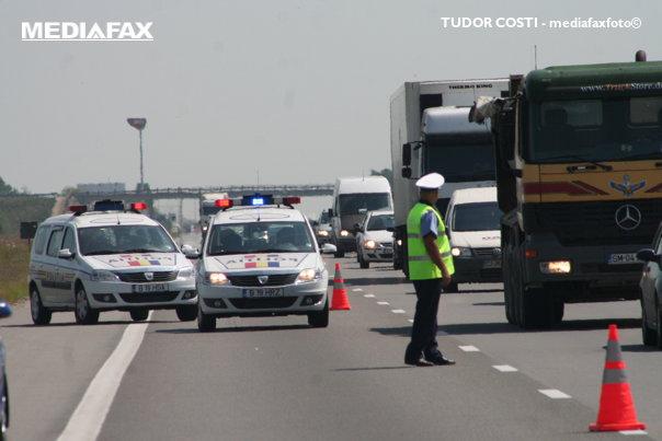 Imaginea articolului Circulaţie restricţionată pe A1. Un autoturism a luat foc