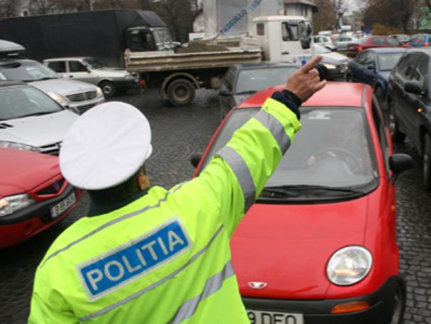 Imaginea articolului B-dul Kiseleff, blocat de protestatarii veniţi cu maşinile din zona Moldovei, după ce Jandarmeria nu le-a permis accesul în P-ţa Victoriei. Mesaj tranşant pentru GUVERN - VIDEO