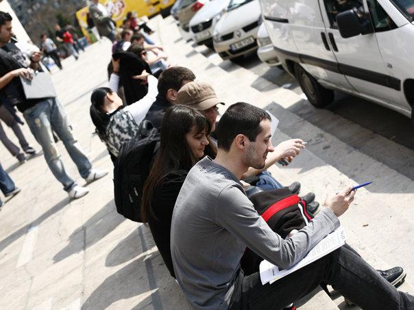 Imaginea articolului Care sunt opţiunile tinerilor care nu obţin diploma de Bacalaureat
