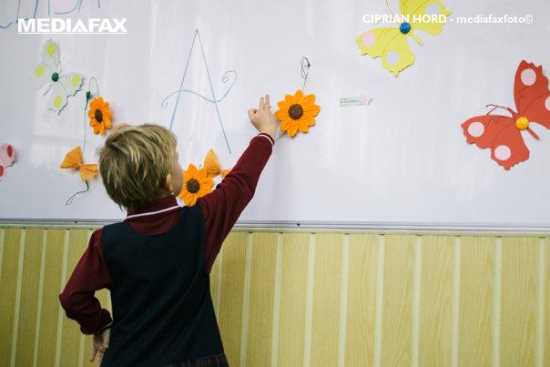 Imaginea articolului Şcoala din România în care elevii nu primesc note, teme pentru acasă sau premii la sfârşit de an | FOTO