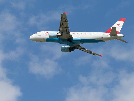 Imaginea articolului Aterizare de urgenţă pe Otopeni. Un pasager a decedat