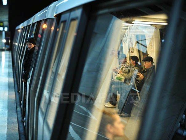 Imaginea articolului Urgenţă MEDICALĂ la Metrou, după ce unui bărbat i s-a făcut rău. Circulaţia, întreruptă