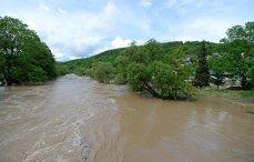 Imaginea articolului Străzi şi gospodării din judeţul Gorj au fost inundate, după ploi torenţiale | VIDEO