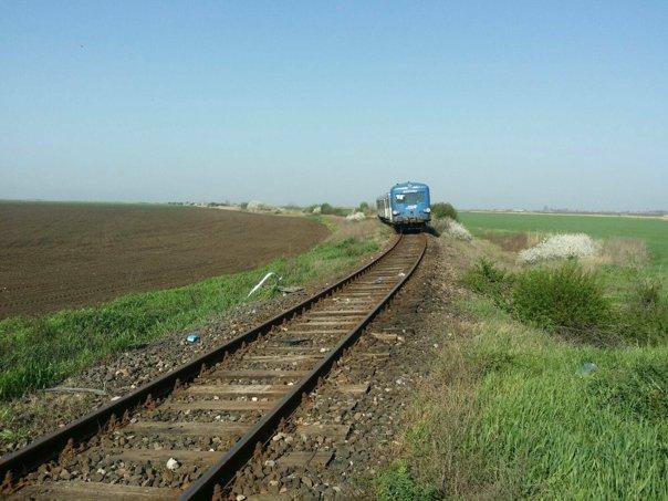 Imaginea articolului Trafic feroviar blocat între Constanţa şi Mangalia după ce un tren a lovit o maşină. Nu sunt victime