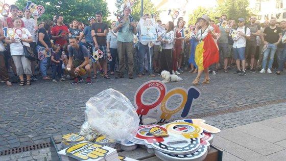 Imaginea articolului PROTEST la Cluj faţă de modificările Codului de procedură penală: Peste 1.000 de persoane au ieşit în stradă | FOTO, VIDEO