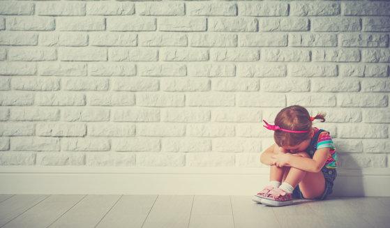 Imaginea articolului Adolescent de 16 ani, reţinut pentru violarea unei fetiţe de 3 ani