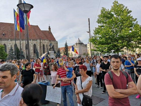 Imaginea articolului PROTESTE în mai multe oraşe din ţară faţă de modificarea codurilor penale şi guvernanţi | GALERIE FOTO, VIDEO