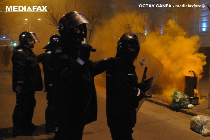 Imaginea articolului Jandarmeria vrea să cumpere grenade de mână cu efecte speciale, acustice şi luminoase