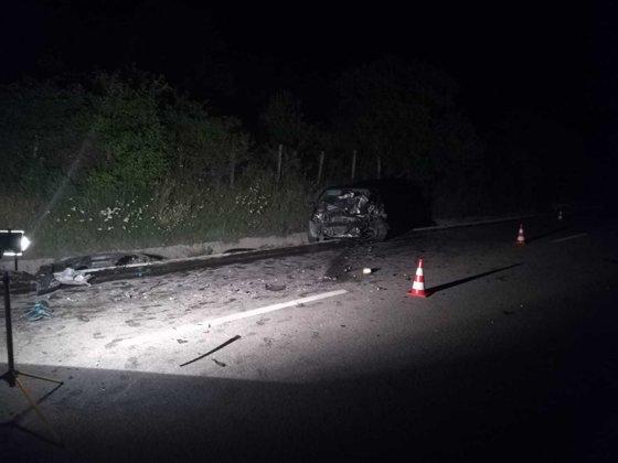 Imaginea articolului Fostul prefect de Sibiu, Ilie Mitea, şi încă o persoană au murit într-un accident, în Vâlcea. Alte trei persoane au fost rănite | FOTO