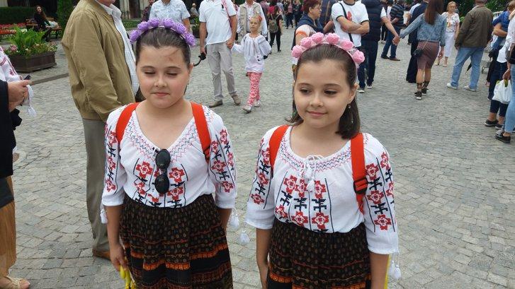 Imaginea articolului Cum au sărbătorit românii ziua Iei - GALERIE FOTO