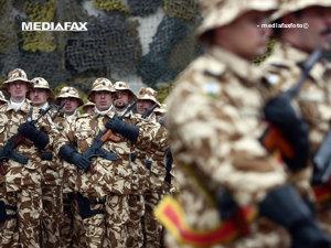 Salariul unui soldat debutează de la 11 milioane, mulţi părăsesc încă Armata (Imagine din arhiva Mediafax Foto)
