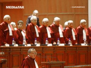 OUG care interzice cumulul pensie-salariu este neconstituţională (Imagine: Bogdan Maran/Mediafax Foto)