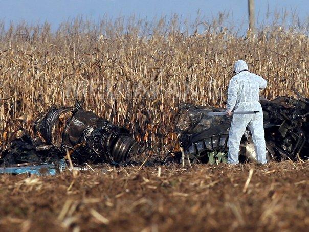 Dos pilotos mueren al estrellarse un caza MiG-21 en Rumania Mig-21-lancer-accident-mircea-rosca