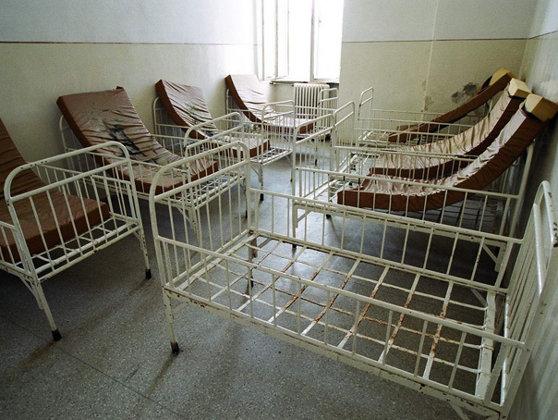 """Imaginea articolului Istoria tranziţiei de la """"lagărele de copii"""" la problemele de astăzi - GALERIE FOTO"""