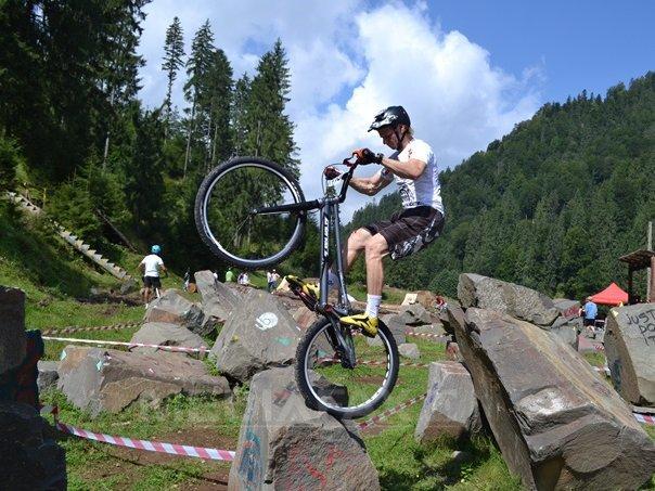 Echilibristica pe st�nci si rezistenta pe drumuri forestiere, la Colibita Bike Fest 2014 - FOTO