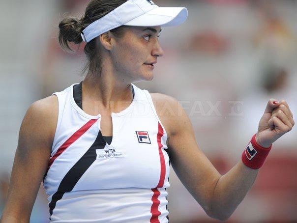 Monica Niculescu s-a calificat �n semifinalele turneului de la Guangzhou